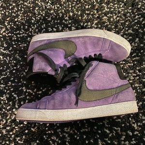 Nike Shoes - Nike Purple Varsity Sb